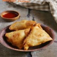4. Crispy Beef Curry Samosa