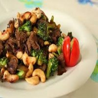 105. Beef with Cashew Nuts