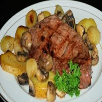203. Sirloin Steak with Onion , Mushrooms & Chips